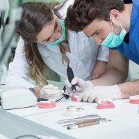 Coronas dentales y materiales