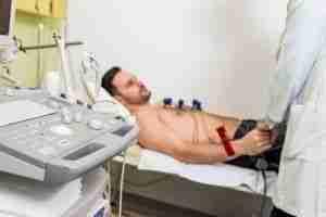 Electrocardiograma estudios preoperatorios