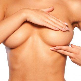 Elevación de mamas y ptosis