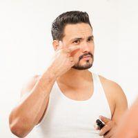 Hombre y blefaroplastia