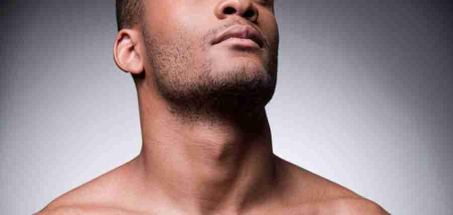 Antes y después de liposucción facial